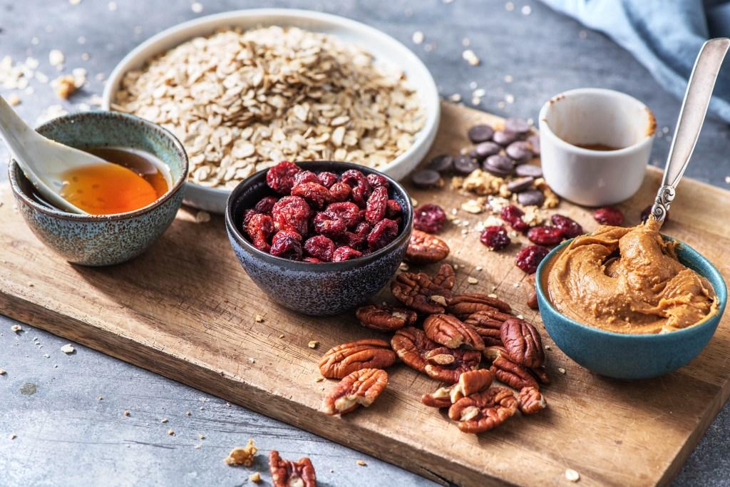 energy balls recipe-HelloFresh-oats-peanut butter