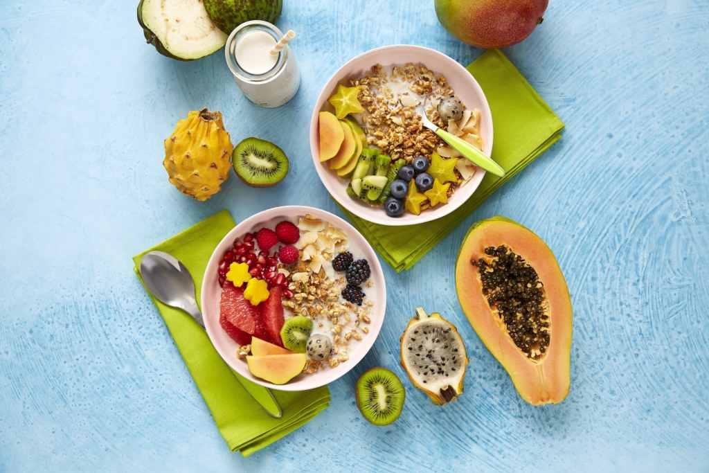 homemade oat milk-hellofresh-fruit-granola-breakfast