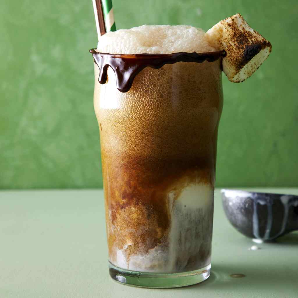 4 St. Patrick's Day Recipes - Beer Float