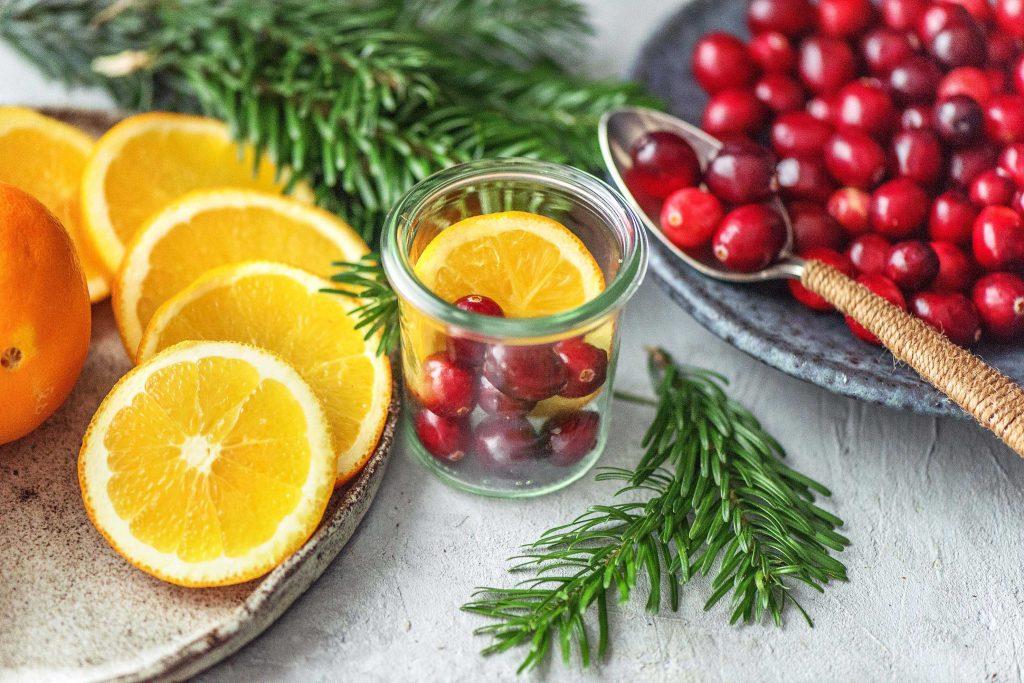 Weihnachtsduft selber machen: Cranberries, Tanne, Orange
