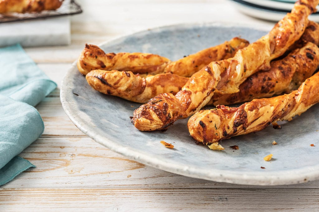 Blätterteigstangen mit Bacon