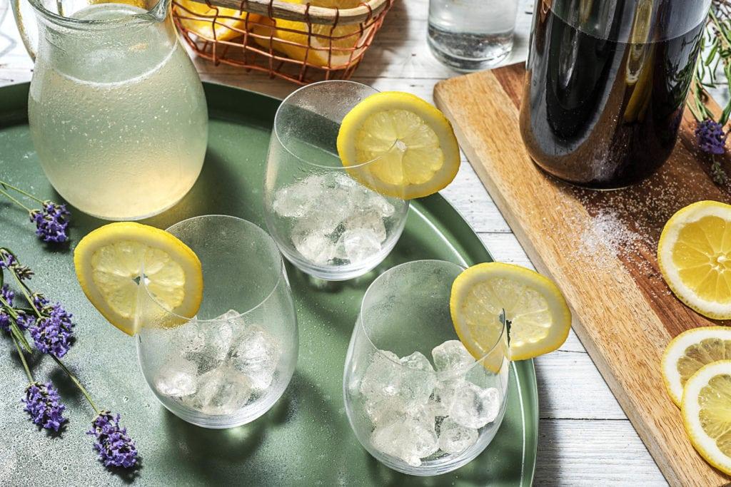 Step 3: Gläser vorbereiten und Drink servieren
