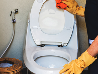 Coca-cola limpa seu banheiro e desentope sua pia