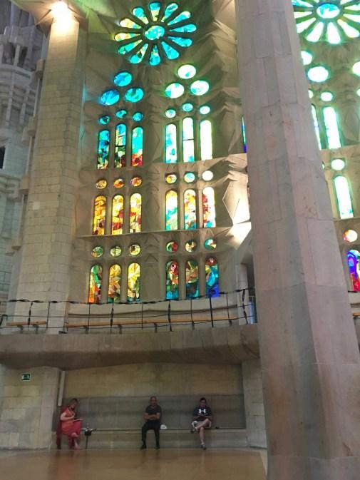 Tine Klein malt in der Sagrada Familia