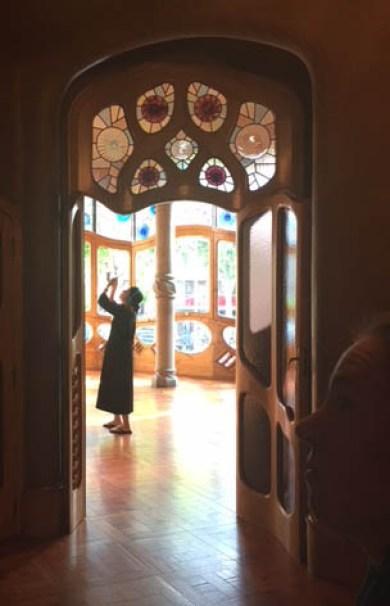 Blog Herz der Kunst, Barcelona Casa Batlo, Farbigkeit und Streulicht