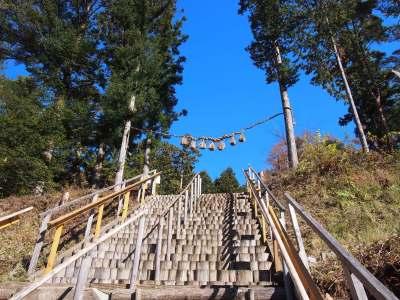 地から風がわきおこり天から光がふりそそぐ不二阿祖山太神宮ツアー