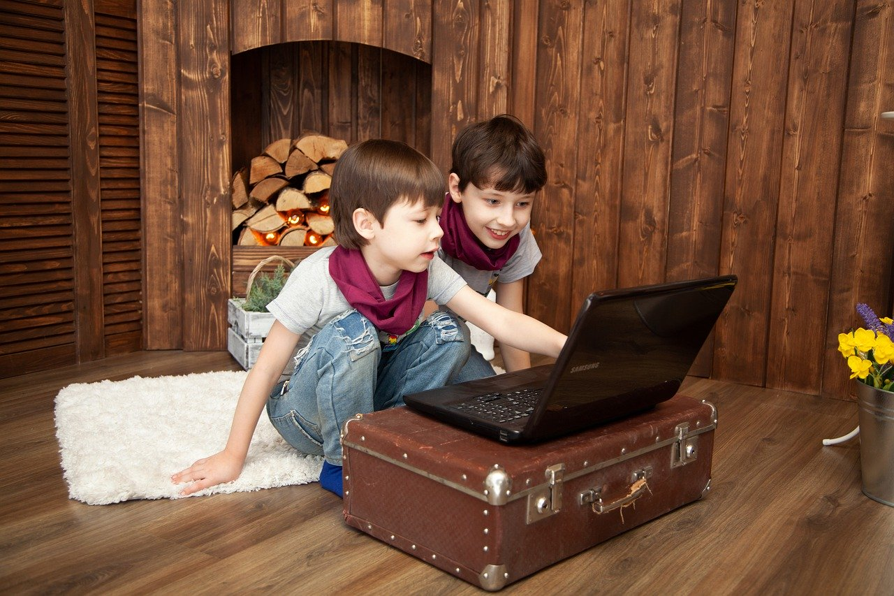 Online Resources To Keep Kids Busy While Working From Home