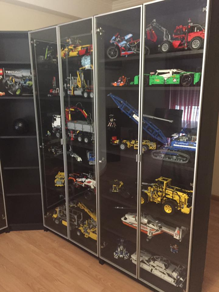 Lego display cabinet - Hiperbock