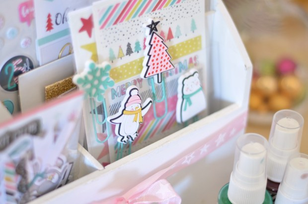 crate-paper-snow-and-cocoa-paper-clips