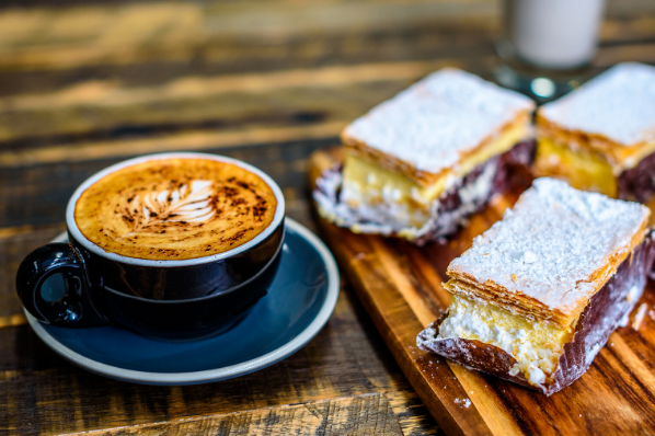 Call on Coffee Pairing , coffee beans, coffee and cake, coffee and american breakfast, coffee pairing, coffee and chocolate, Call on Coffee Pairing , Frappé , coffee and doghnuts,