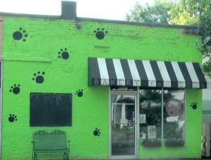 But Oakhurst does have a designer doggy bakery.