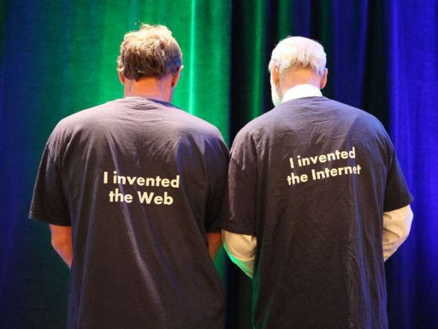 Tim Berners-Lee and Vint Cerf (image via Twitter)