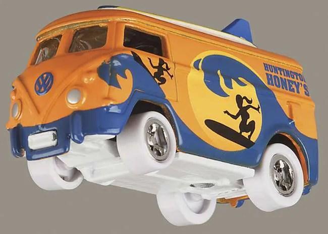 Johnny Lightning VW Surf Bus White