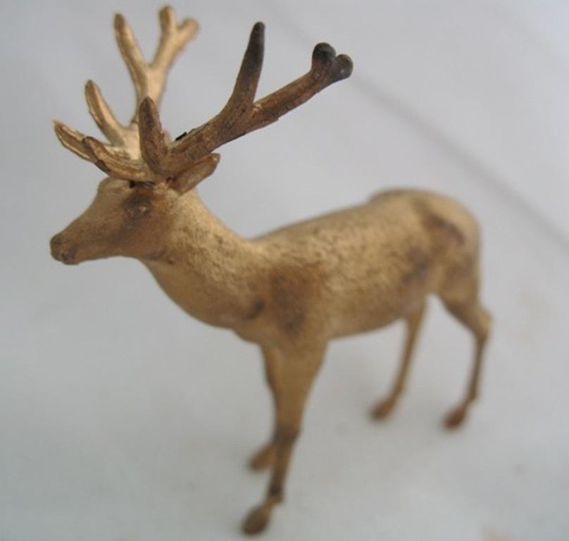 Fiddlers_Furlets_Deer
