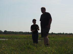 Thomas und Nicolai als Silhouetten