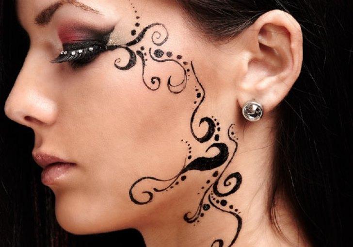 Henna Face Tattoo
