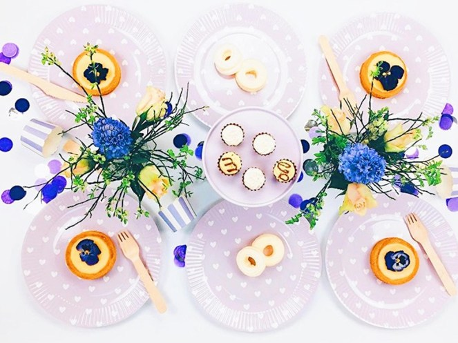 Plastic-Free Paper Partyware Lifestyle
