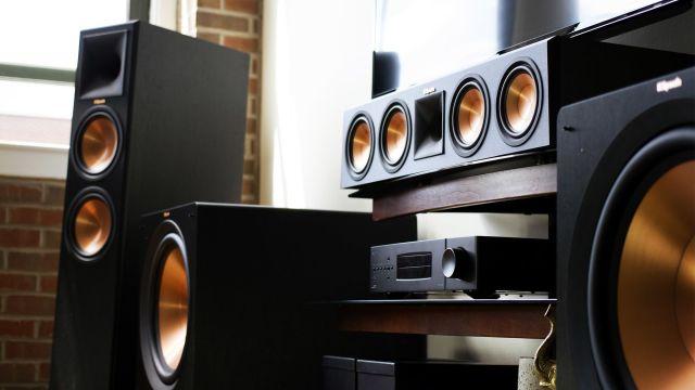 stereo speakers phantom power