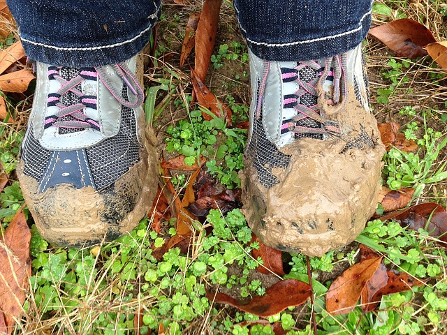 how to clean mud stain