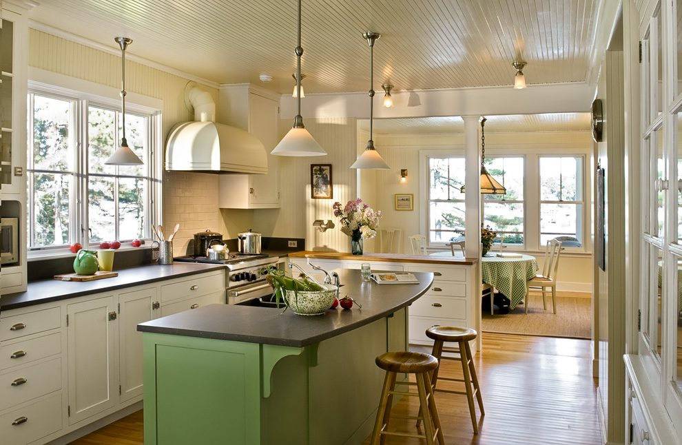 Quick Design Tips To Update Your Old Cottage
