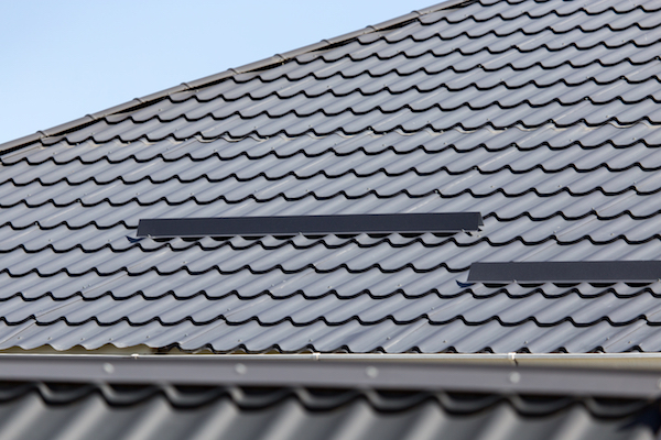 metal roof best roofing materials canadian winters