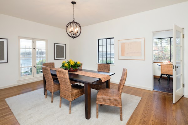 clutter free dining room
