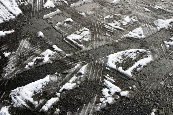 snow melting driveway