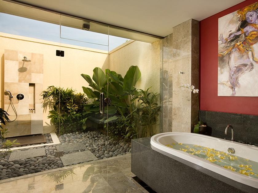 Mahagiri Villas Sanur - Bathroom at 3 Bedroom Villa - Hoterip, Layanan Pesan Hotel Terbaik, Pesan dan Booking Hotel di Bali