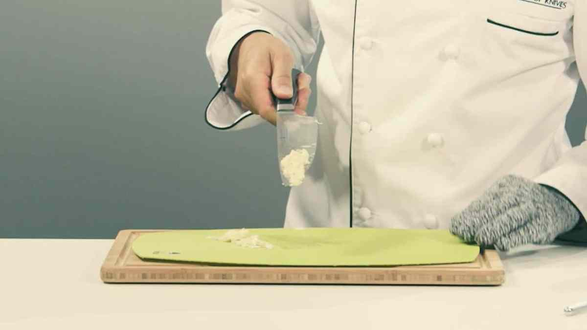 Quick Tip - How to Paste Garlic With a Chef Knife (Video)