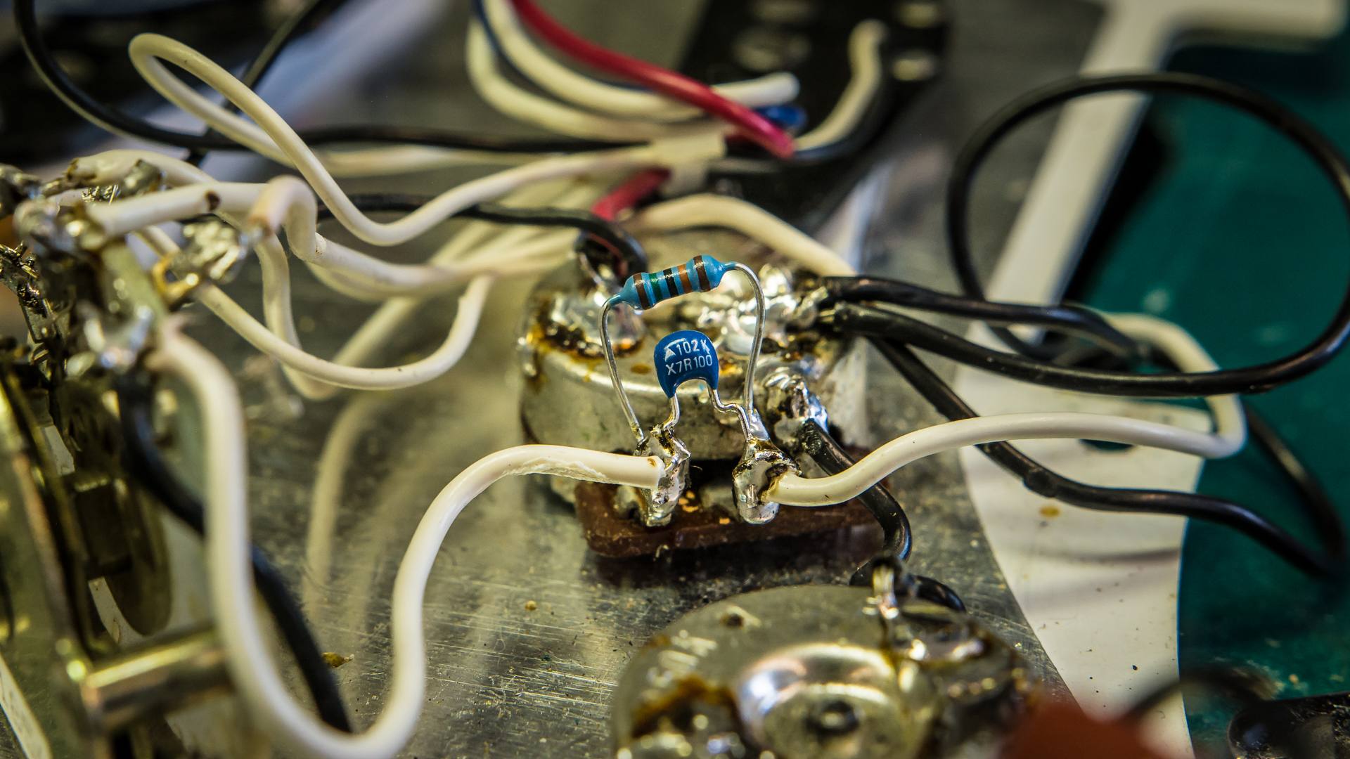 hight resolution of here s what our capacitor looked like when soldered to our volume pot s input and output terminals