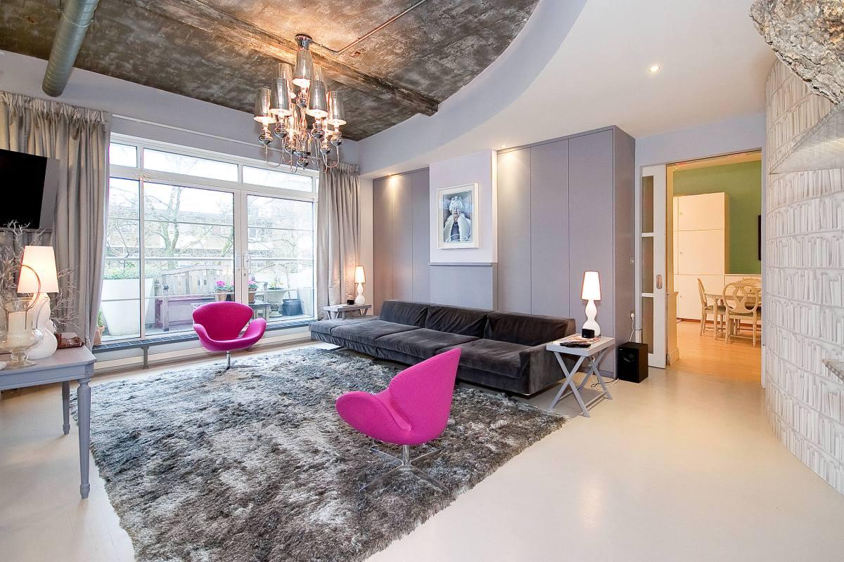 An Outstanding 2 Bedroom Loft in The Paramount Building St John Street, EC1