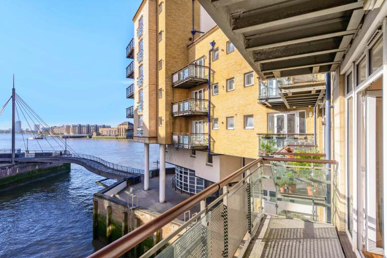 Two bedroom duplex apartment in one of Limehouses premier addresses, Dunbar Wharf, E14