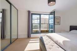 Penthouse living really is for everyone… Three bedroom Apartment, Limehouse Basin, E14