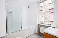 Three bedroom Georgian townhouse steeped with history, Wine Office Court, EC4