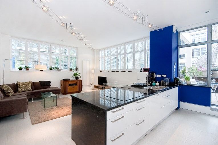 Home of Punch Magazine – Two Bedroom Authentic Loft, Saffron Hill, EC1