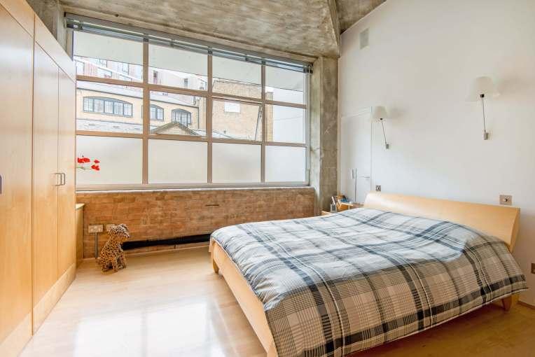 Loft lovers! One Bedroom Loft Apartment, Warner Street, EC1