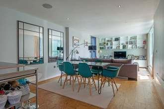 2 Bedroom Apartment in Landmark Clerkenwell Building, Brewhouse Yard, EC1