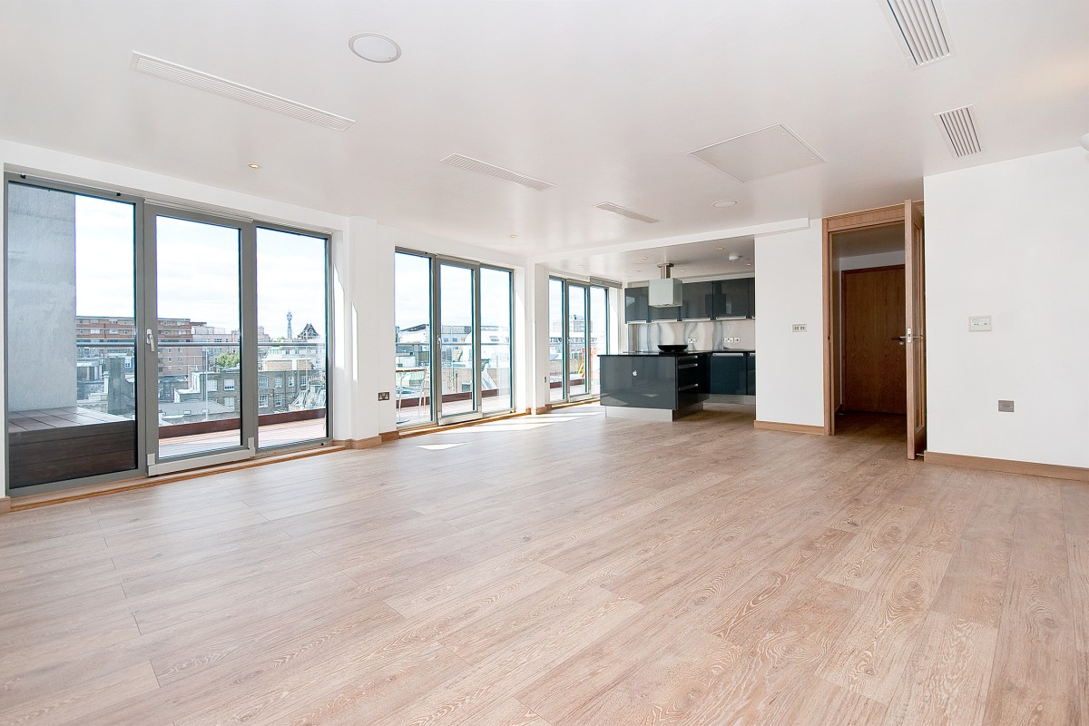 Two Bedroom Penthouse Apartment in Saffron Hill, EC1