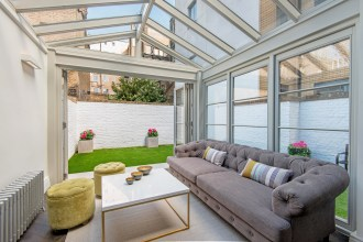 Three Bedroom Exquisitely Presented Maisonette, Guildford Street, WC1