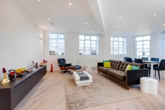 Luxury Spacious Three Bedroom Apartment, John Street, Bloomsbury, WC1