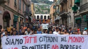 ventimiglia-dopo-la-manifestazione-pro-migranti-un-corteo-per-le-vie-della-citta-247355.660x368