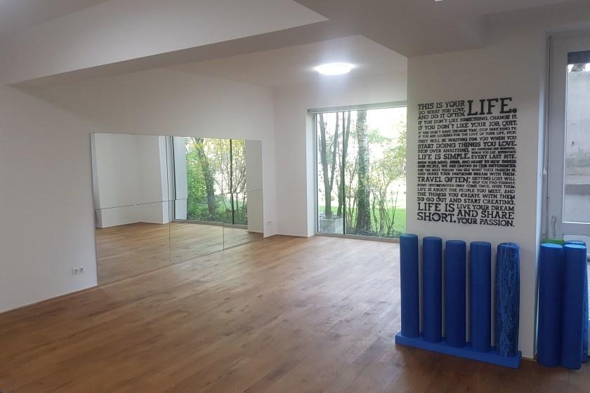 Gerne Vermiete ich mein wunderschönes ruhig gelegenes Pilatesstudio mit Blick ins Grüne (8. Bez.)