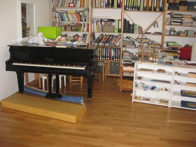 Musikraum mit Instrumenten im 7. Bezirk