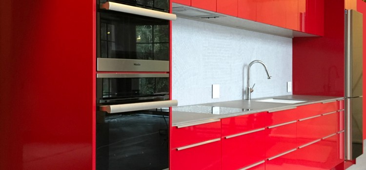 ARE YOU READY FOR A RED KITCHEN?