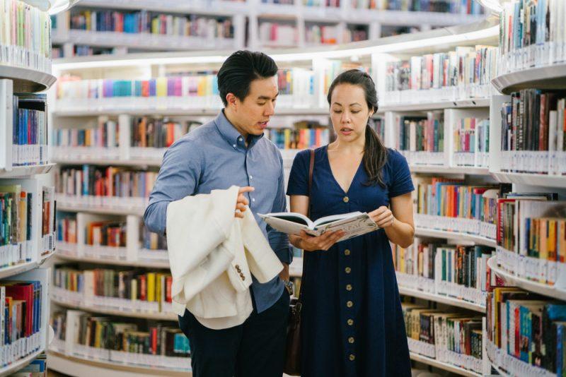 Mengunjungi Perpustakaan Umum
