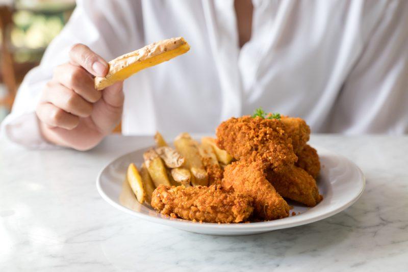 Kebanyakan Makan Makanan Cepat Saji atau Instan