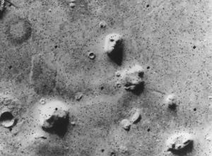 1976 - volto umano su Marte