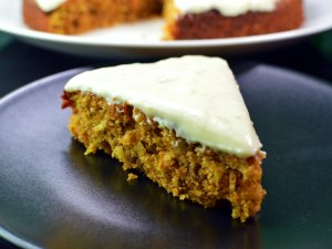 Recipe: Moist carrot cake with lime cream cheese frosting