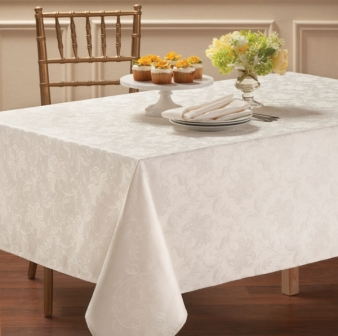 how to choose the proper size tablecloth