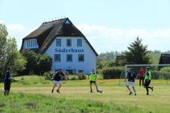 Spieler beim Hiddensee Fußballturnier 2015